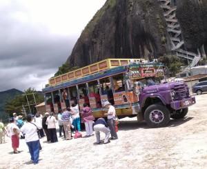 Chivas para Paseos Medellin